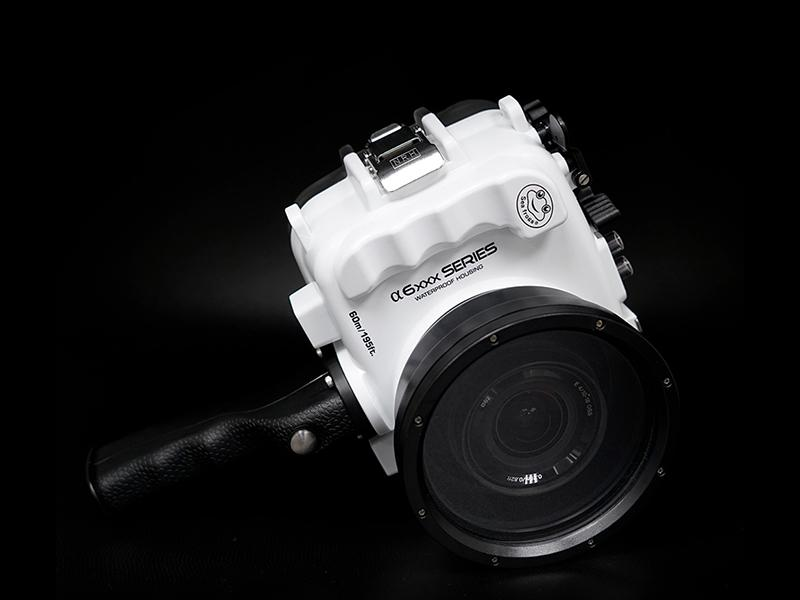 Sea Frogs A6xxx Salted Line Series 6xxx (White) + with pistol grip подводный бокс для Sony A6xxx